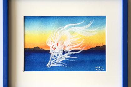 夜明けの白い狐