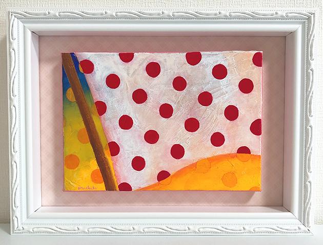 赤い水玉の旗